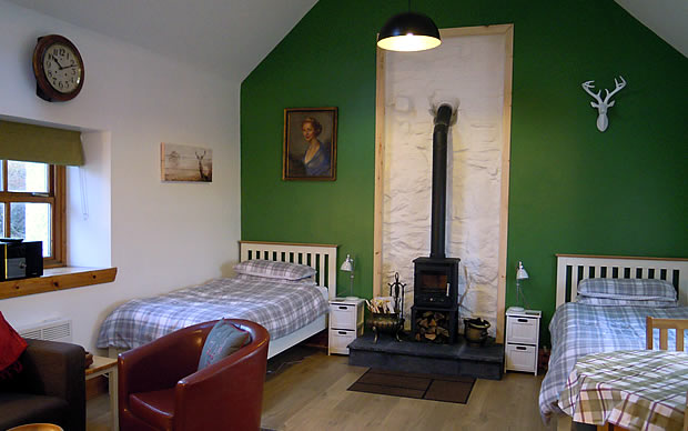 The Smithy, Stoer, twin bed.